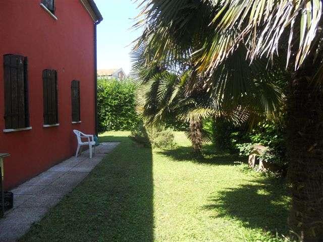 Rustico / Casale in vendita a Padova, 3 locali, zona Zona: 3 . Est (Brenta-Venezia, Forcellini-Camin), prezzo € 690.000 | Cambio Casa.it