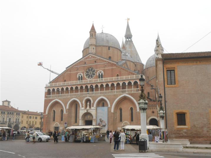 Attività / Licenza in affitto a Padova, 9999 locali, zona Zona: 1 . Centro, prezzo € 1.500 | Cambio Casa.it