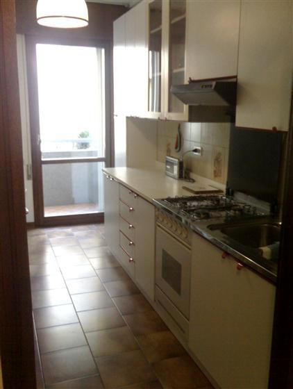 Appartamento in vendita a Ponte San Nicolò, 5 locali, zona Zona: Roncaglia, prezzo € 159.000 | CambioCasa.it