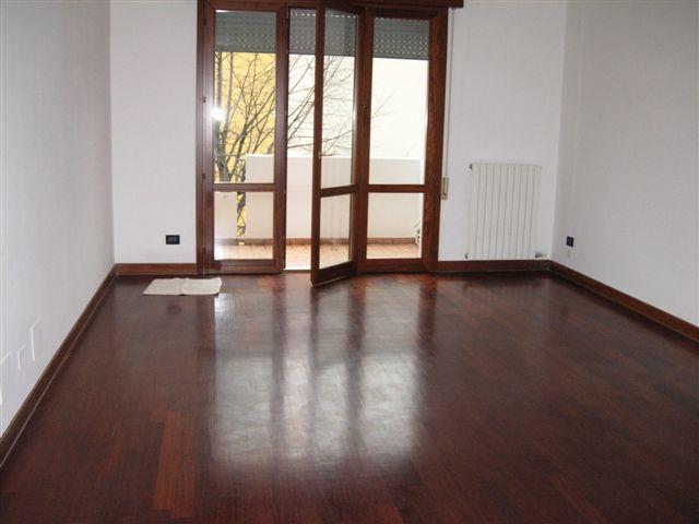 Attico / Mansarda in affitto a Padova, 6 locali, zona Zona: 4 . Sud-Est (S.Croce-S. Osvaldo, Bassanello-Voltabarozzo), prezzo € 1.450 | Cambio Casa.it