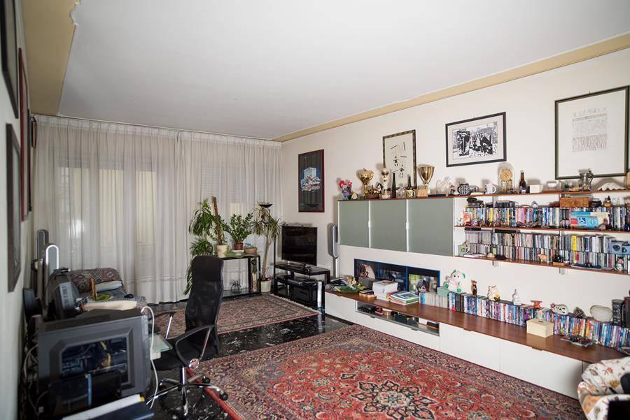 Appartamento in vendita a Padova, 6 locali, zona Zona: 2 . Nord (Arcella, S.Carlo, Pontevigodarzere), prezzo € 95.000 | Cambio Casa.it