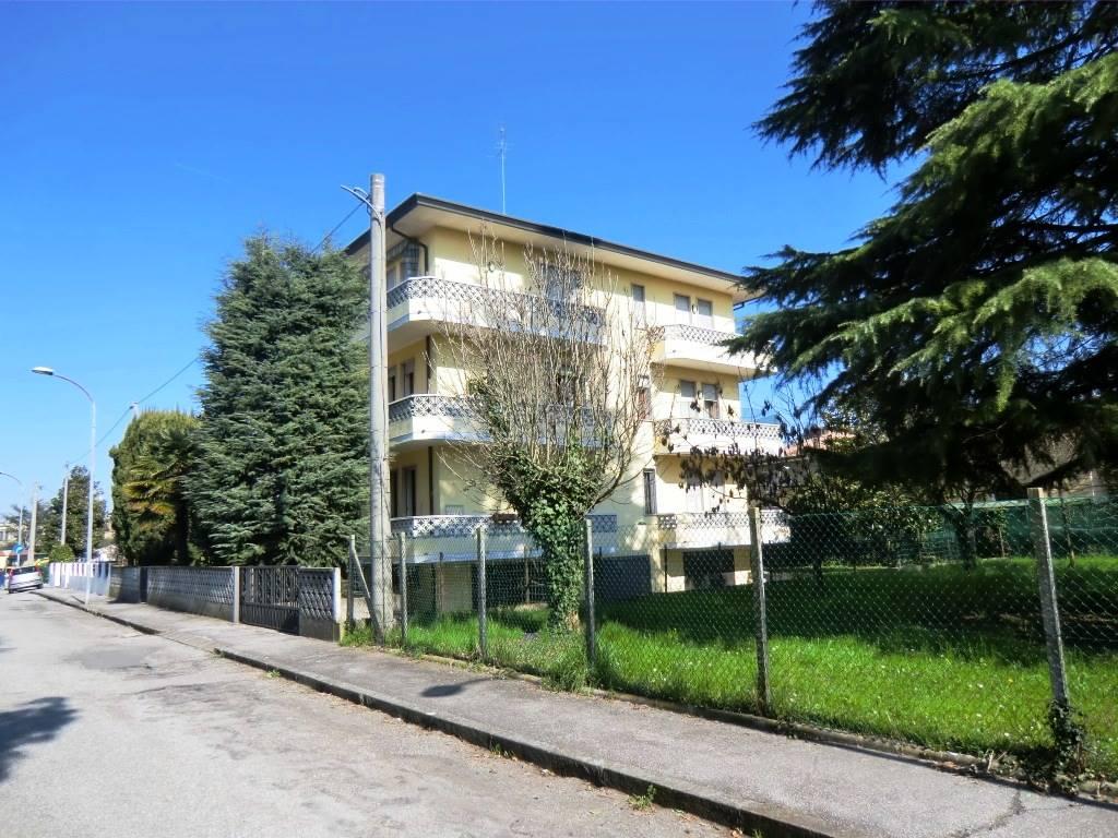 Attico / Mansarda in affitto a Padova, 5 locali, zona Zona: 4 . Sud-Est (S.Croce-S. Osvaldo, Bassanello-Voltabarozzo), prezzo € 750 | Cambio Casa.it