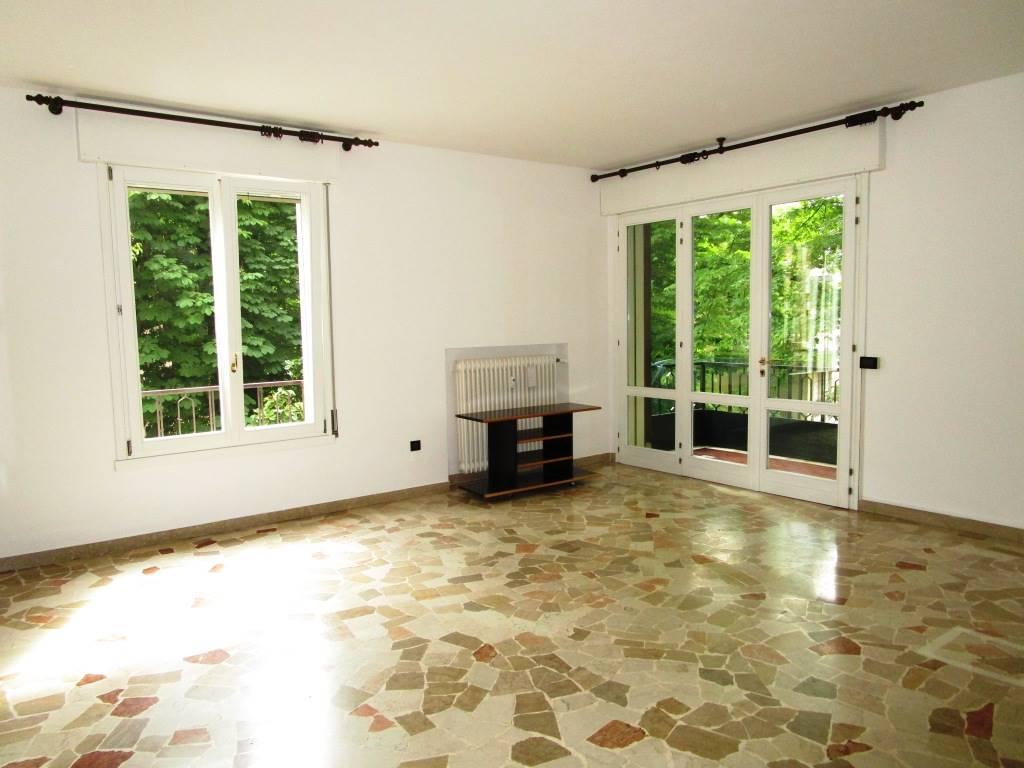 Appartamento in affitto a Padova, 6 locali, zona Zona: 4 . Sud-Est (S.Croce-S. Osvaldo, Bassanello-Voltabarozzo), prezzo € 650 | Cambio Casa.it