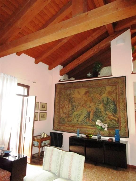 Appartamento in vendita a Padova, 1 locali, zona Zona: 1 . Centro, prezzo € 1.250.000 | Cambio Casa.it