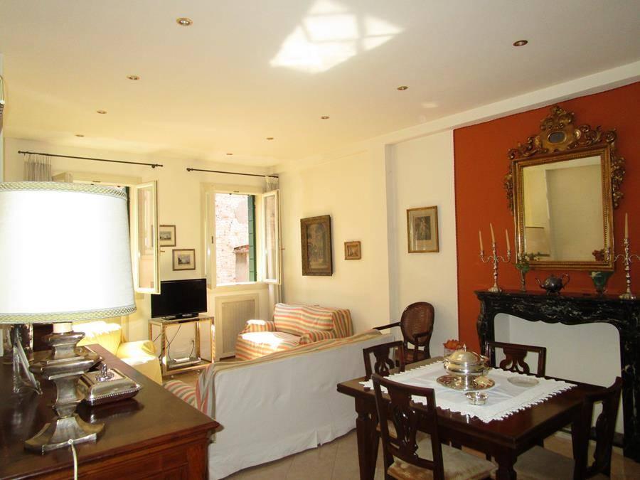 Appartamento in vendita a Padova, 6 locali, zona Zona: 1 . Centro, prezzo € 398.000 | Cambio Casa.it