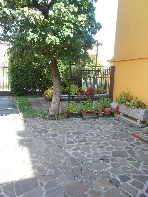 Soluzione Indipendente in affitto a Padova, 5 locali, zona Zona: 3 . Est (Brenta-Venezia, Forcellini-Camin), prezzo € 900 | CambioCasa.it