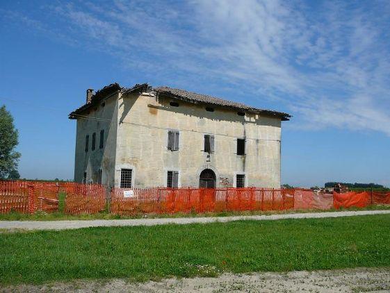 Colonica, San Matteo Della Decima, San Giovanni In Persiceto, da ristrutturare