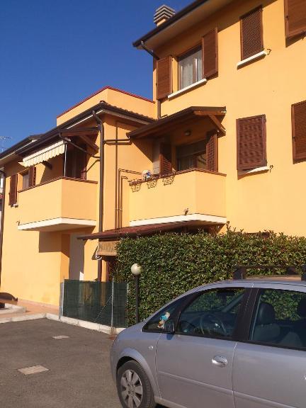 Appartamento in vendita a Sant'Agostino, 3 locali, zona Zona: Dosso, prezzo € 105.000 | Cambio Casa.it