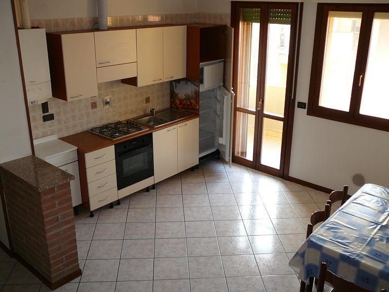 Appartamento in vendita a Castello d'Argile, 3 locali, prezzo € 93.000   Cambio Casa.it