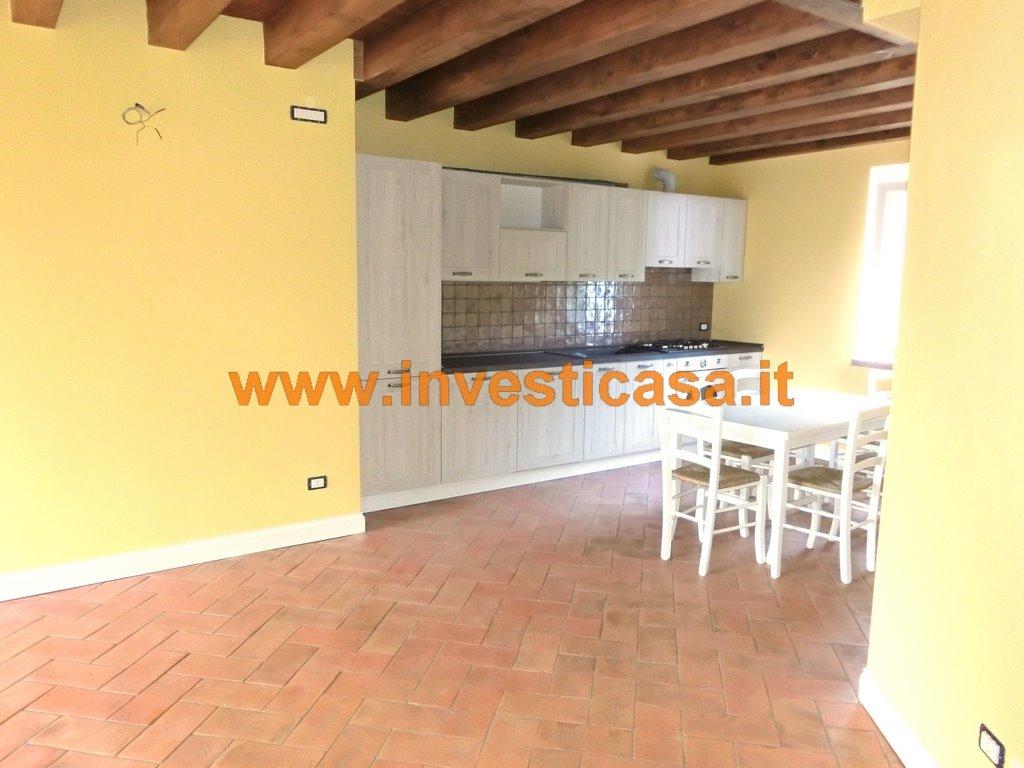Villa-Villetta  in Affitto a Caprino Veronese