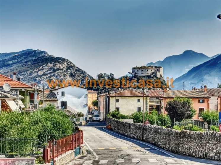 Appartamento in vendita a Rivoli Veronese, 4 locali, prezzo € 129.000 | Cambio Casa.it