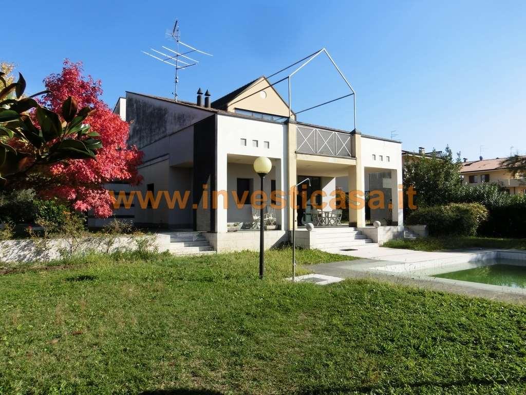 Villa in vendita a Bardolino, 6 locali, prezzo € 1.280.000 | Cambio Casa.it