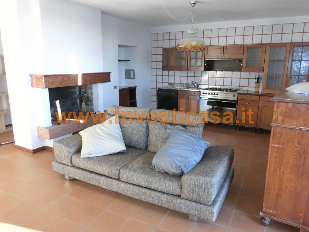 Appartamento in affitto a Caprino Veronese, 4 locali, zona Località: RUBIANA, prezzo € 590 | Cambio Casa.it