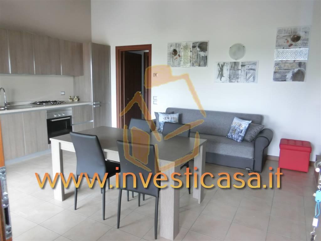 Appartamento in affitto a Castelnuovo del Garda, 2 locali, zona Zona: Sandrà, prezzo € 550 | Cambio Casa.it