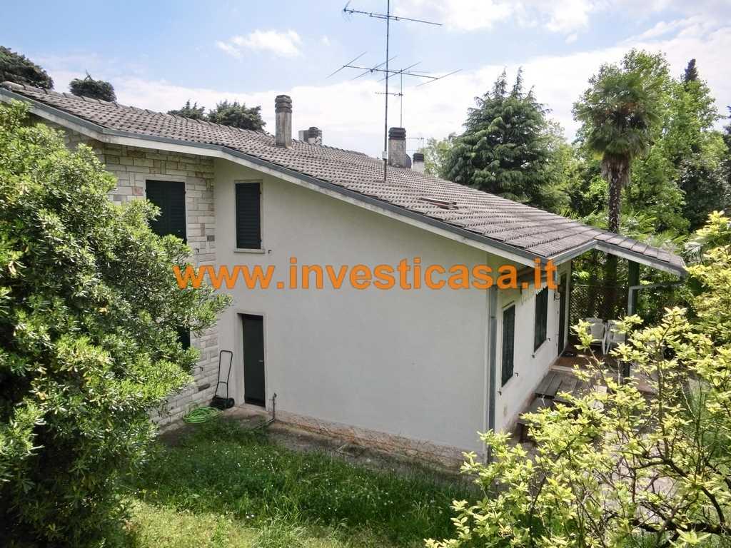 Villa in vendita a Lazise, 9 locali, zona Località: COLA' DI LAZISE, prezzo € 395.000 | Cambio Casa.it