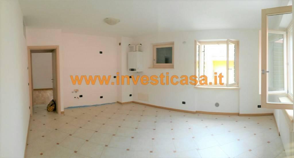 Appartamento in affitto a Pastrengo, 3 locali, prezzo € 550 | Cambio Casa.it