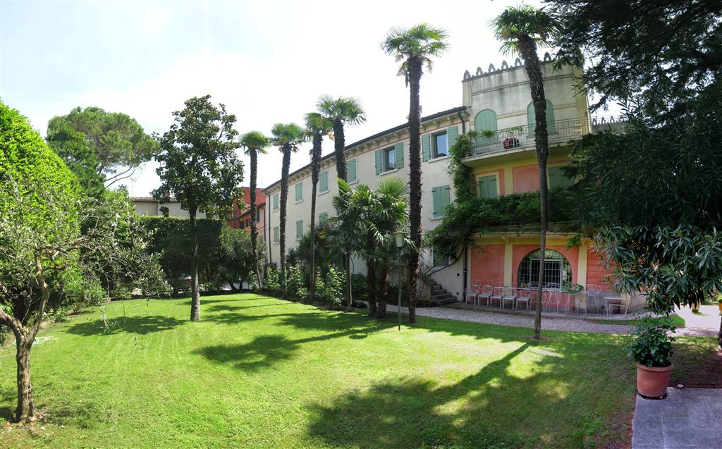 Rustico / Casale in affitto a Bardolino, 3 locali, zona Zona: Cisano, prezzo € 800 | Cambio Casa.it
