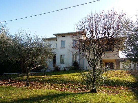 Villa in vendita a Bassano del Grappa, 6 locali, prezzo € 650.000   CambioCasa.it