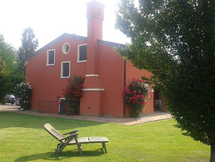 Soluzione Indipendente in vendita a Santa Maria di Sala, 12 locali, zona Zona: Veternigo, prezzo € 349.000 | Cambio Casa.it