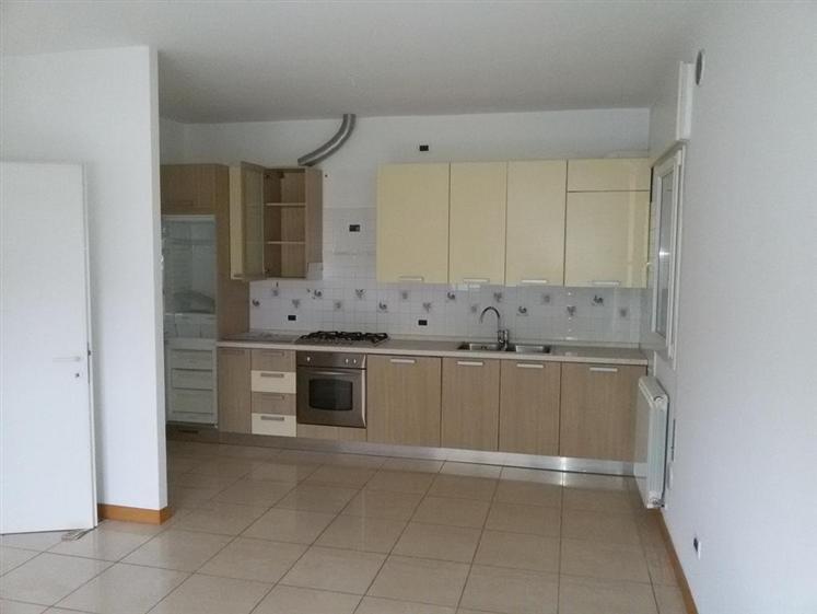 Soluzione Indipendente in affitto a Salzano, 4 locali, zona Zona: Robegano, prezzo € 630 | Cambio Casa.it