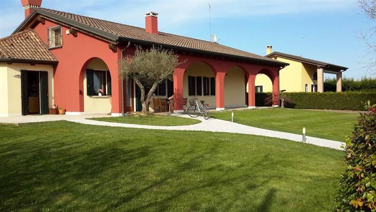 Villa in vendita a Scorzè, 6 locali, zona Zona: Peseggia, prezzo € 480.000 | Cambio Casa.it