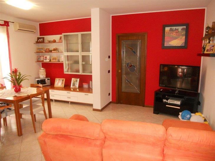 Appartamento in vendita a Scorzè, 3 locali, zona Zona: Peseggia, prezzo € 118.000 | Cambio Casa.it