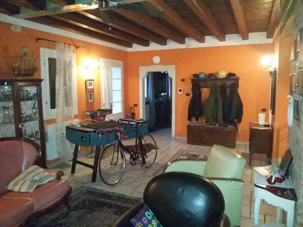 Villa in vendita a Santa Maria di Sala, 5 locali, zona Zona: Stigliano, Trattative riservate   CambioCasa.it