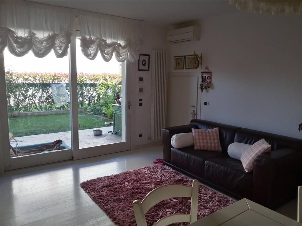 Soluzione Indipendente in vendita a Salzano, 3 locali, zona Località: GRAMSCI, prezzo € 217.000 | Cambio Casa.it