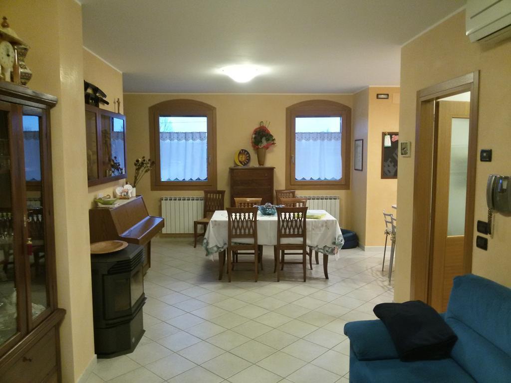 Soluzione Indipendente in vendita a Salzano, 4 locali, zona Località: VILLATEGA, prezzo € 170.000 | Cambio Casa.it