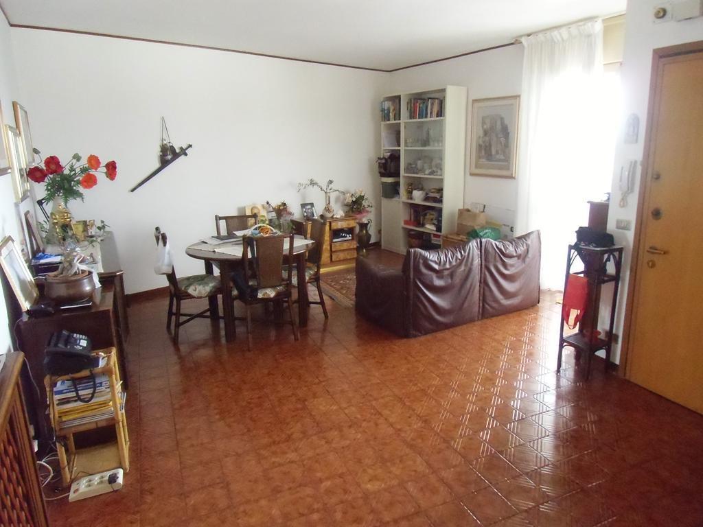 Attico / Mansarda in vendita a Spinea, 5 locali, zona Località: PIAZZA ROSSELLI, prezzo € 169.000 | Cambio Casa.it