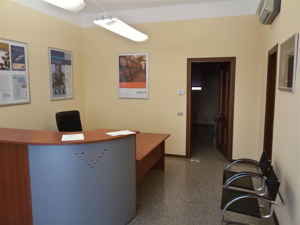 Negozio / Locale in affitto a Mirano, 3 locali, prezzo € 750 | Cambio Casa.it