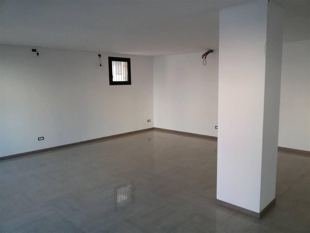 Negozio / Locale in affitto a Salzano, 1 locali, prezzo € 600 | Cambio Casa.it