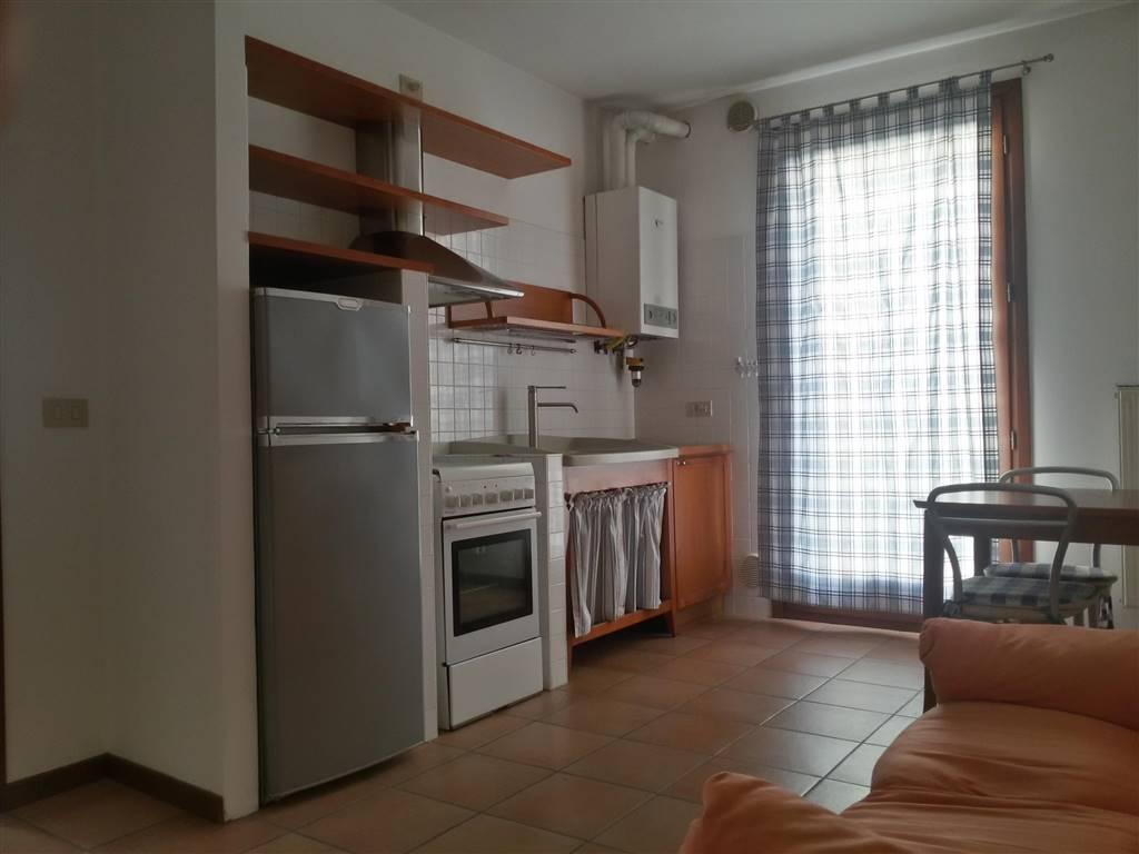 Appartamento in affitto a Salzano, 2 locali, prezzo € 450   Cambio Casa.it