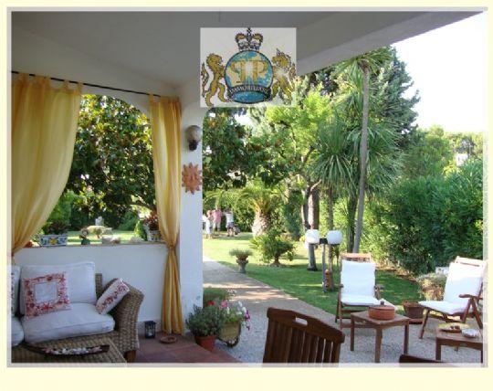 Villa Bifamiliare in vendita a Ostuni, 5 locali, zona Località: ROSAMARINA, prezzo € 549.000 | CambioCasa.it