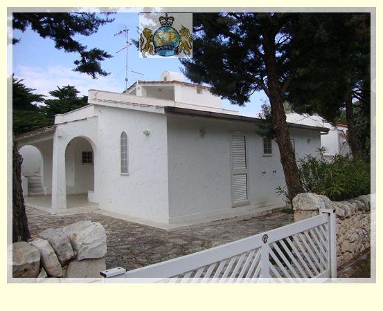 Villa Bifamiliare in vendita a Ostuni, 3 locali, zona Località: ROSAMARINA, prezzo € 509.000 | Cambio Casa.it