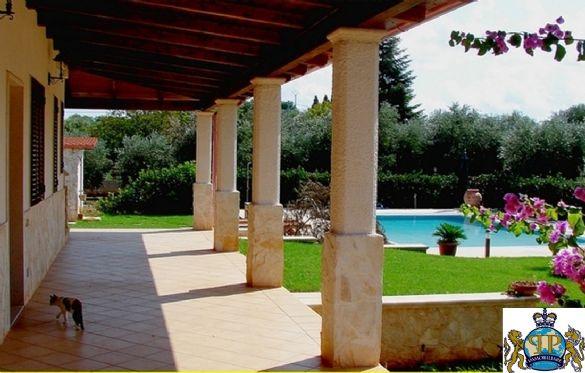 Villa in vendita a Ostuni, 10 locali, prezzo € 590.000 | Cambio Casa.it
