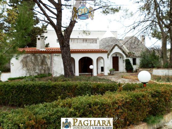 Rustico / Casale in affitto a Alberobello, 6 locali, zona Zona: Coreggia, prezzo € 600 | Cambio Casa.it