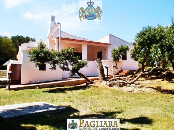 Villa in vendita a Ostuni, 7 locali, zona Località: ROSAMARINA, prezzo € 1 | Cambio Casa.it