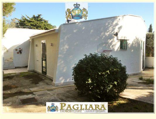 Villa in vendita a Ostuni, 3 locali, zona Località: ROSAMARINA, prezzo € 399.000 | Cambio Casa.it