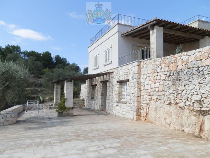 Villa in vendita a Ostuni, 4 locali, prezzo € 160.000 | Cambio Casa.it