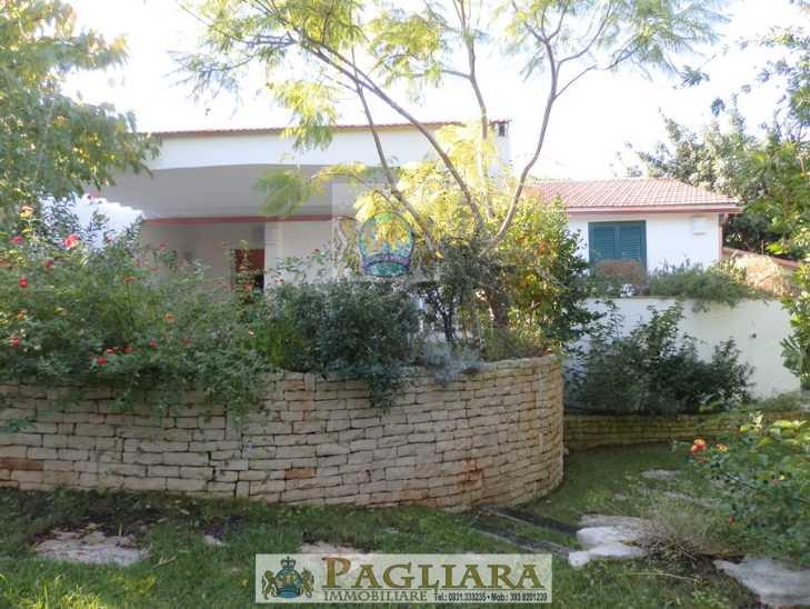 Villa in vendita a Ostuni, 4 locali, zona Località: ROSAMARINA, prezzo € 459.000 | Cambio Casa.it