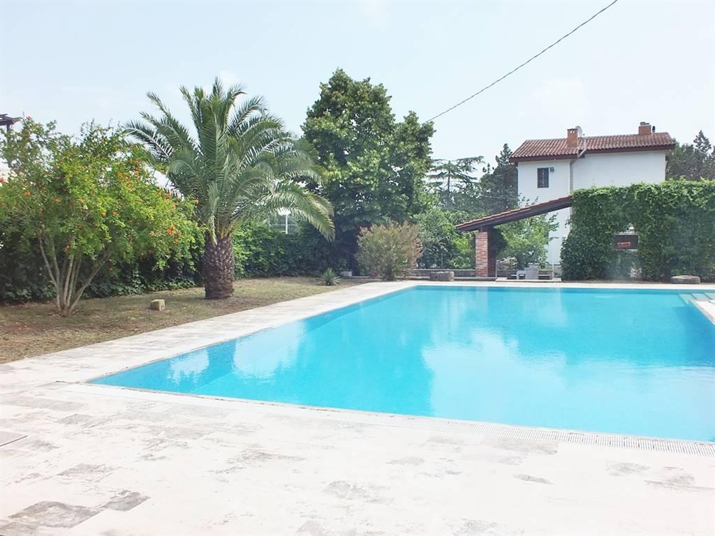 Villa in vendita a Martina Franca, 6 locali, prezzo € 265.000 | CambioCasa.it