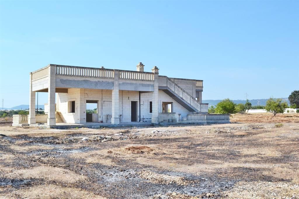 Villa in vendita a Fasano, 8 locali, zona Zona: Savelletri, prezzo € 400.000 | Cambio Casa.it
