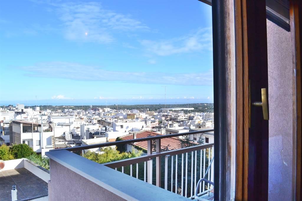 Appartamento in vendita a Carovigno, 4 locali, prezzo € 100.000 | CambioCasa.it