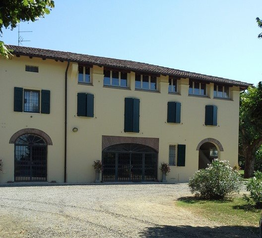 Rustico casale in Via Cassola, San Giovanni In Persiceto