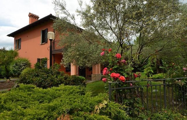Villa in Via De Carolis, Bologna