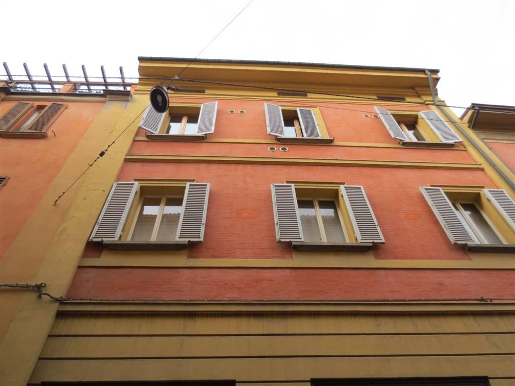 Quadrilocale in Via Tagliapietre, Centro Storico, Bologna