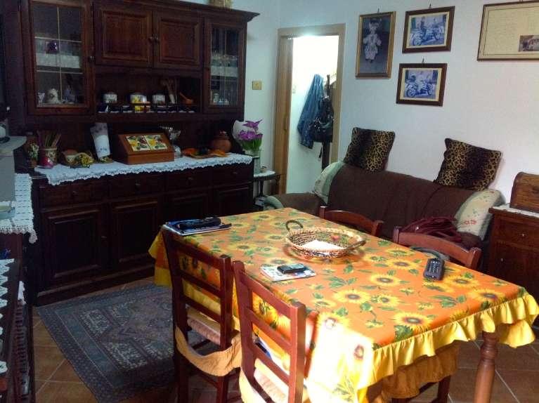 Soluzione Indipendente in vendita a Lascari, 3 locali, prezzo € 90.000 | CambioCasa.it