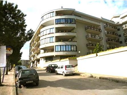 Appartamento in vendita a Bagheria, 4 locali, prezzo € 180.000 | CambioCasa.it