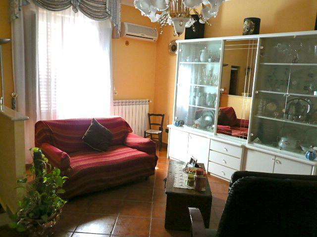 Soluzione Indipendente in vendita a Lascari, 5 locali, prezzo € 195.000 | CambioCasa.it